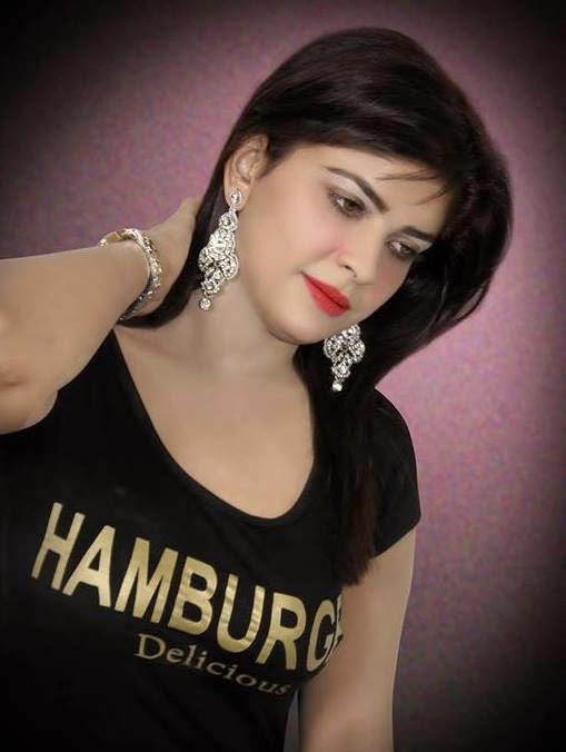 Sanam Abbasi New Pics