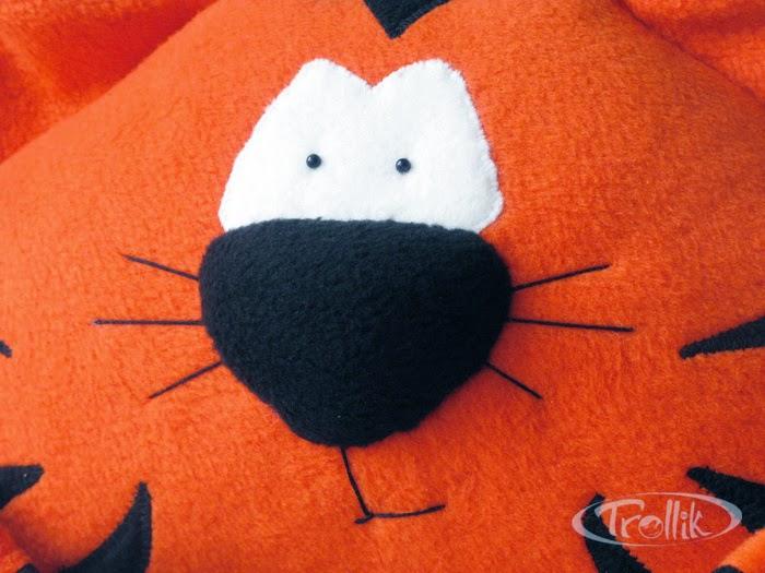 мягкая игрушка подушка из флиса тигр