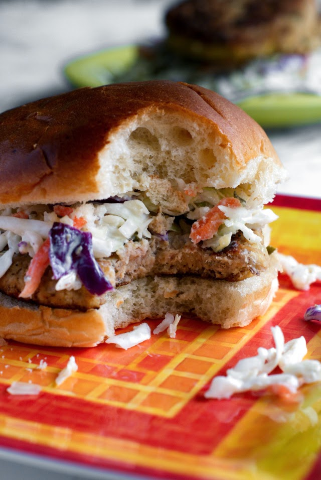 Tuna Cakes with Yogurt Tartar Slaw made into a healthy burger!