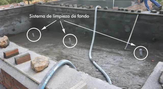 El blog de las piscinas for Limpieza fondo piscina