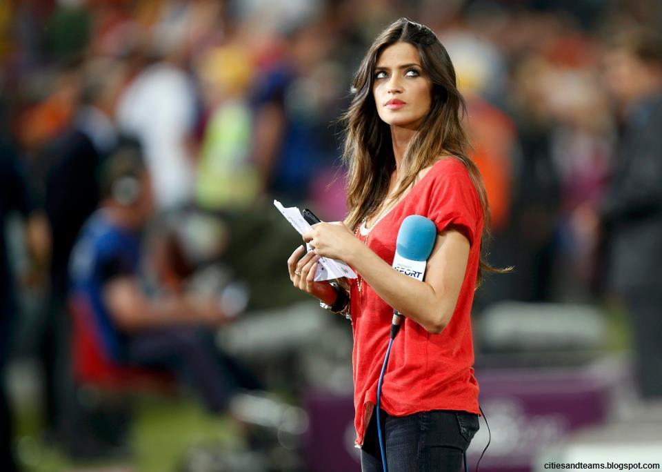 Sara Carbonero Cute Beautiful Spanish Tv Presenter And ...