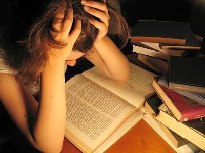مشكلة العزوف عن القراءة والمطالعة