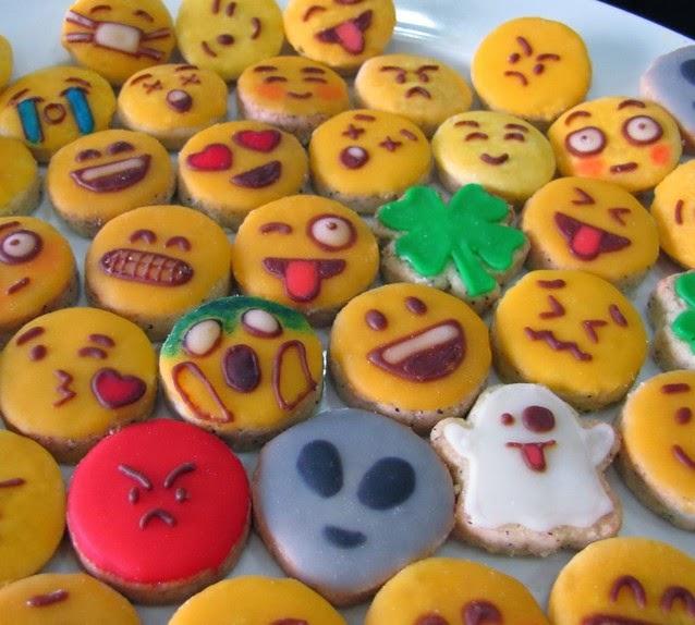 resep kue kering emoticon lucu unik spesial beraneka macam kue kering ...