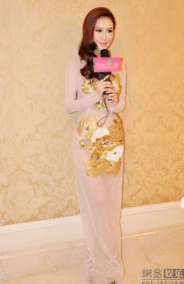 [Gambar] Gaun Transparent Aktres China yang Gerenti Menjolok Mata