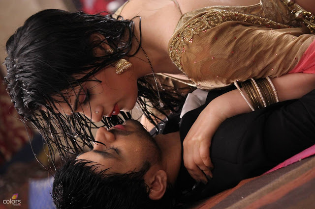 Beautiful Ishani And Ranveer Love Wallpaper