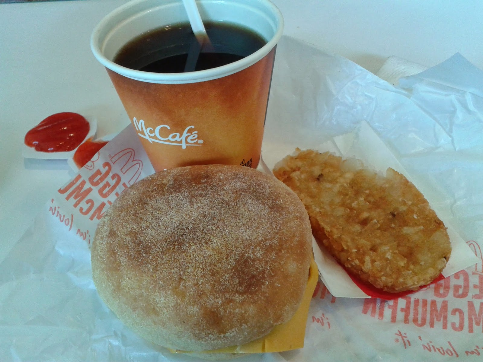 Egg Mc Muffin, Hash Brown, dan Kopi