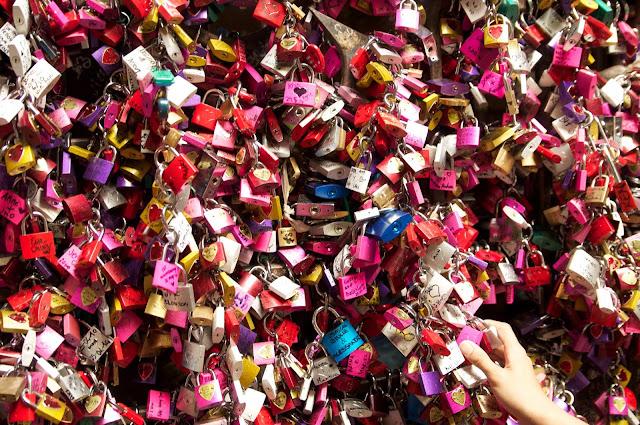 wisata, love lock, juliet house, verona, italy