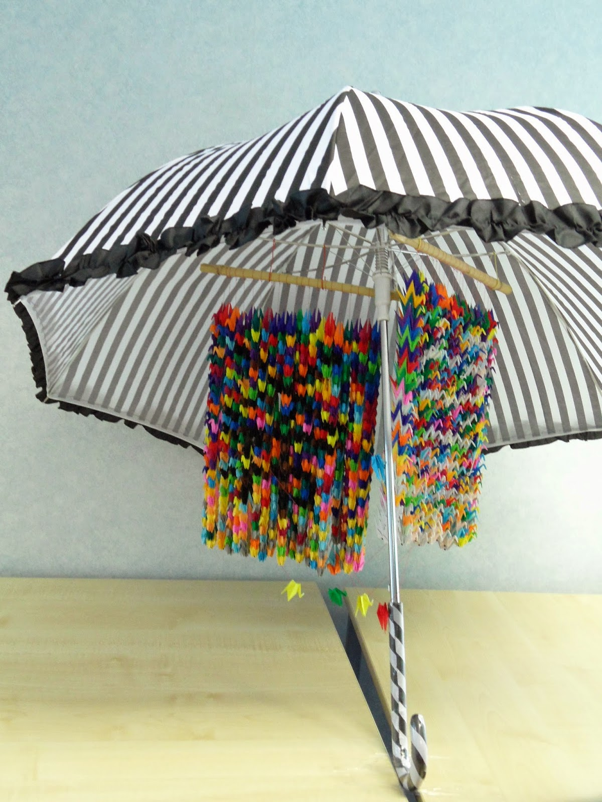 Senbazuru 1000 origami cranes umbrella hope kibo