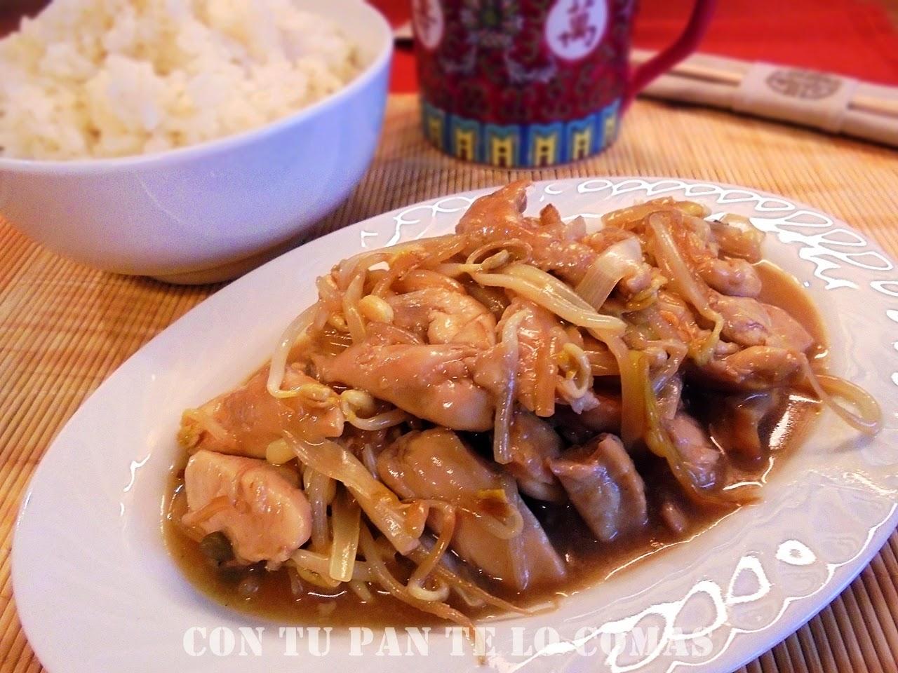 Pollo con brotes de soja