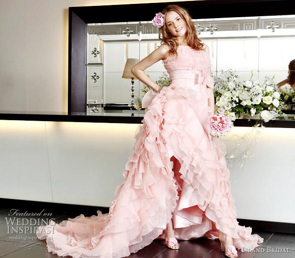 http://2.bp.blogspot.com/-OJwh-PnMVGo/TWHWX7sBUyI/AAAAAAAABO8/ubRlBGfXMGQ/s1600/island-bridal-sweet-pink-wedding-gown.jpg