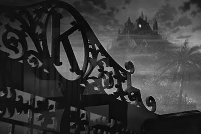 Citizen Kane opening scene, Xanadu from the outside, K Mansion in night, Camera Techniques, Directed by Orson Welles