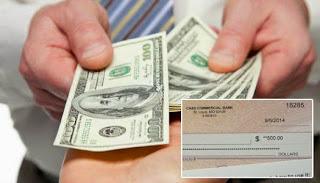 Iglesia reparte dinero 500 dólares
