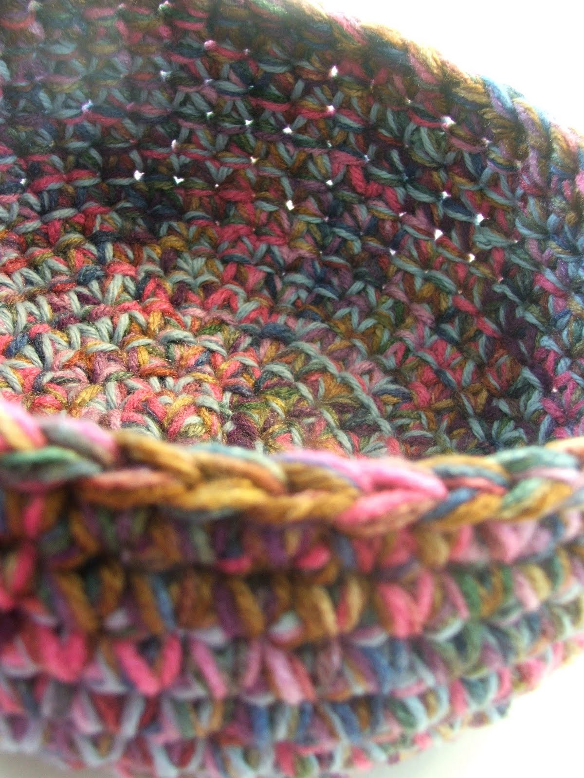 Crochet Yarn Bowl : Susans Hippie Crochet: Free Chunky Crocheted Bowl Pattern