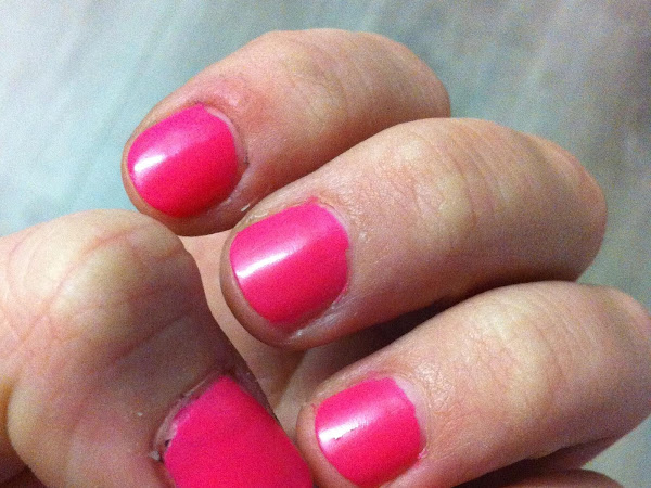 NOTD | OPI Luxurious pink // Neon.