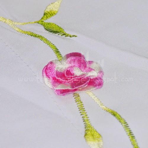 Telekung Vietnam bunga pink / daun hijau-kuning sulam bunga timbul
