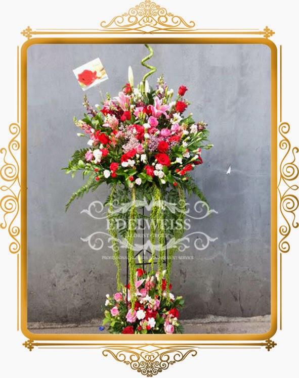 bunga standing pembukaan restoran