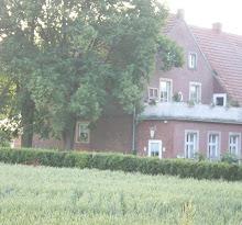 Home Sweet Home                 Bauernhaus v. ca. 1850