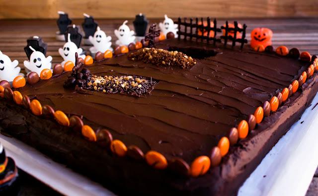 Tarta Halloween. Campo Santo