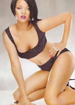 Singer Rihanna Hot Bikini Pics