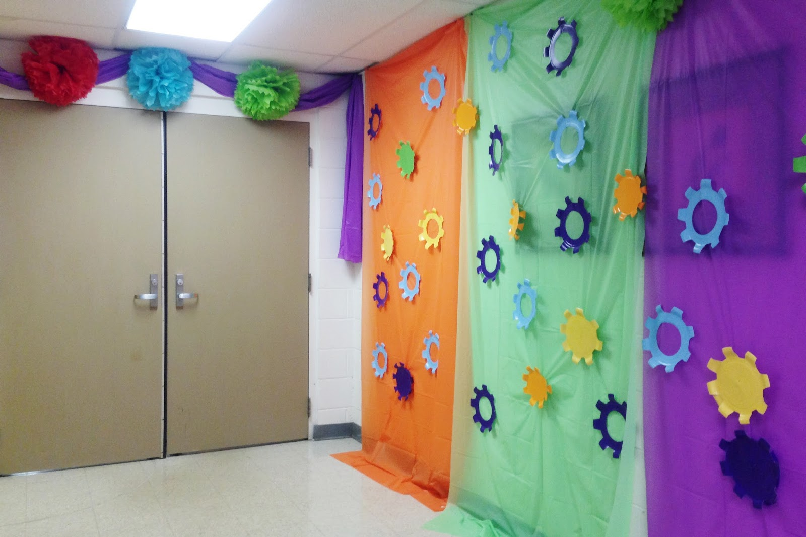 Dancing Commas :: Workshop of Wonders VBS :: Paper plate gears in hallway