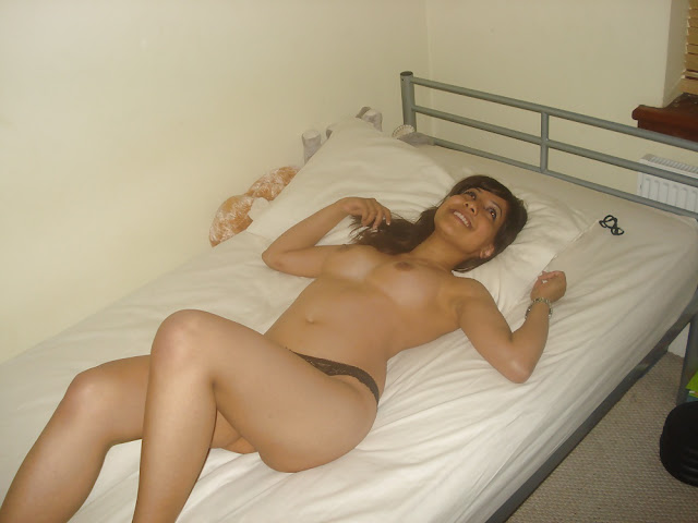 Beautiful College Girl Rani Nude Pictures   nudesibhabhi.com