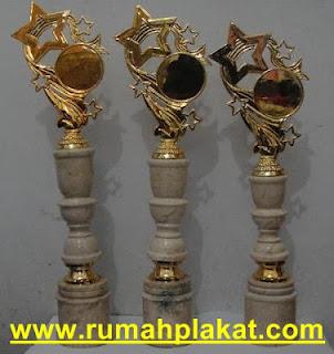 trophy award, tempat buat piala, jual trophy, 0812.3365.6355, www.rumahplakat.com