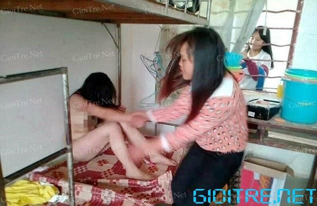 Nữ sinh bị lột sạch quần áo và đánh đập dã man trong ký túc xá