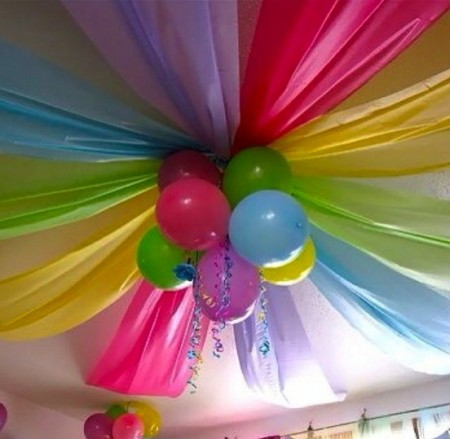 Birthday decoration ideas interior decorating idea for Balloon decoration for birthday at home