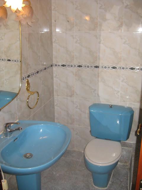 Kp decor studio reformando el ba o reforming the bathroom - Quitar silicona azulejos ...