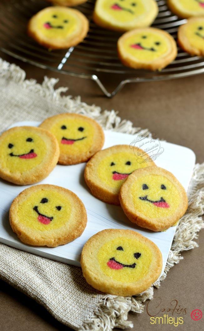 biscuits smileys tire la langue / tongue smiley cookies