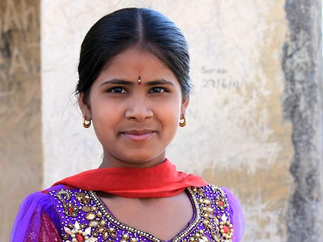 красивая девушка-индуска
