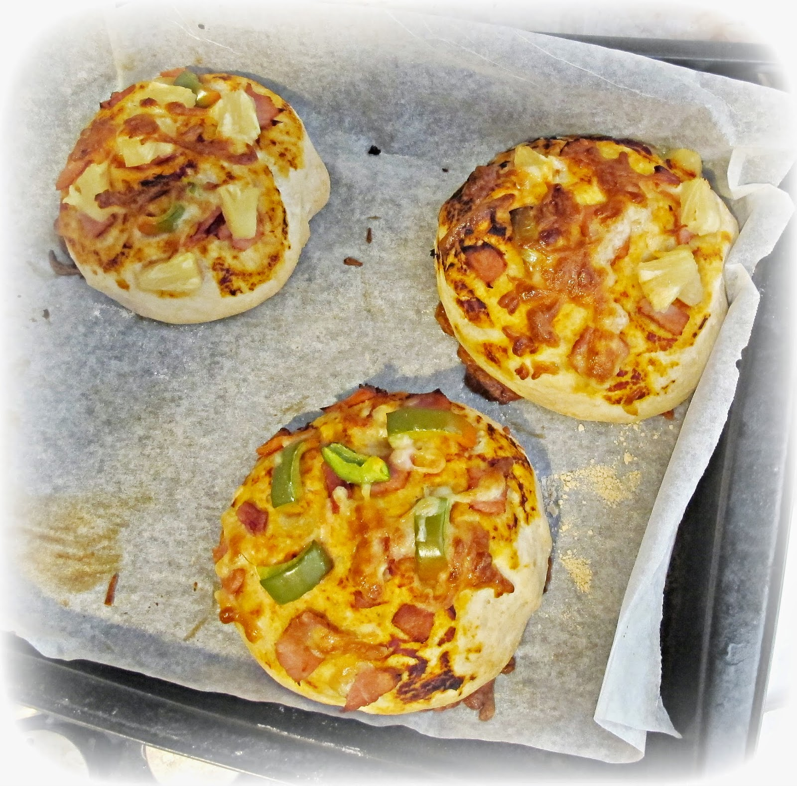 image pizza buns wholemeal capsicum bacon cheese pineapple tomato paste
