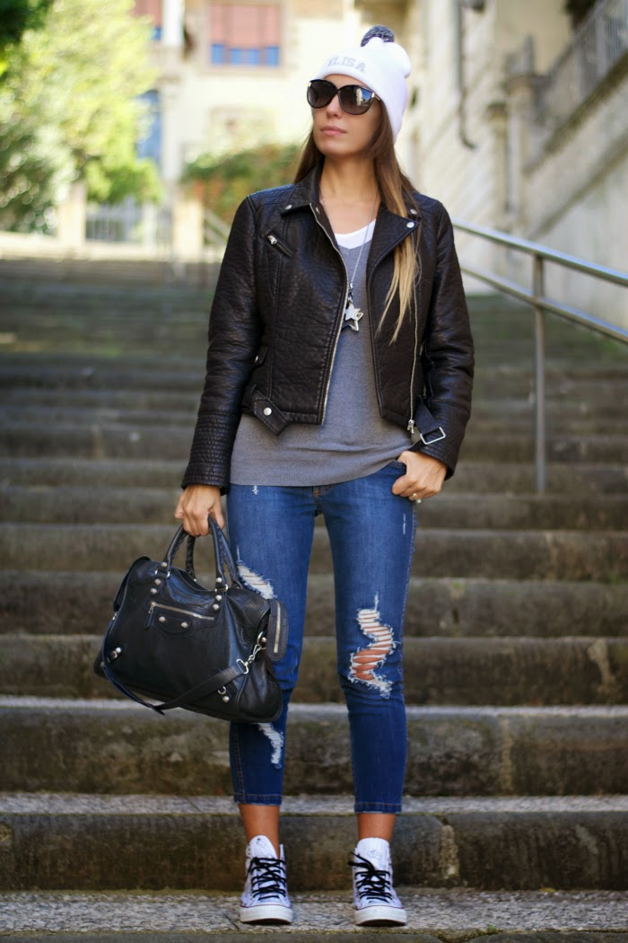 jeans strappati outfit