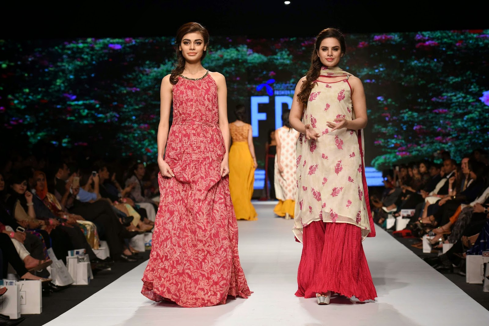 sadaf kanwal Lala Textiles Telenor Fashion Pakistan Week 2015 Day 1