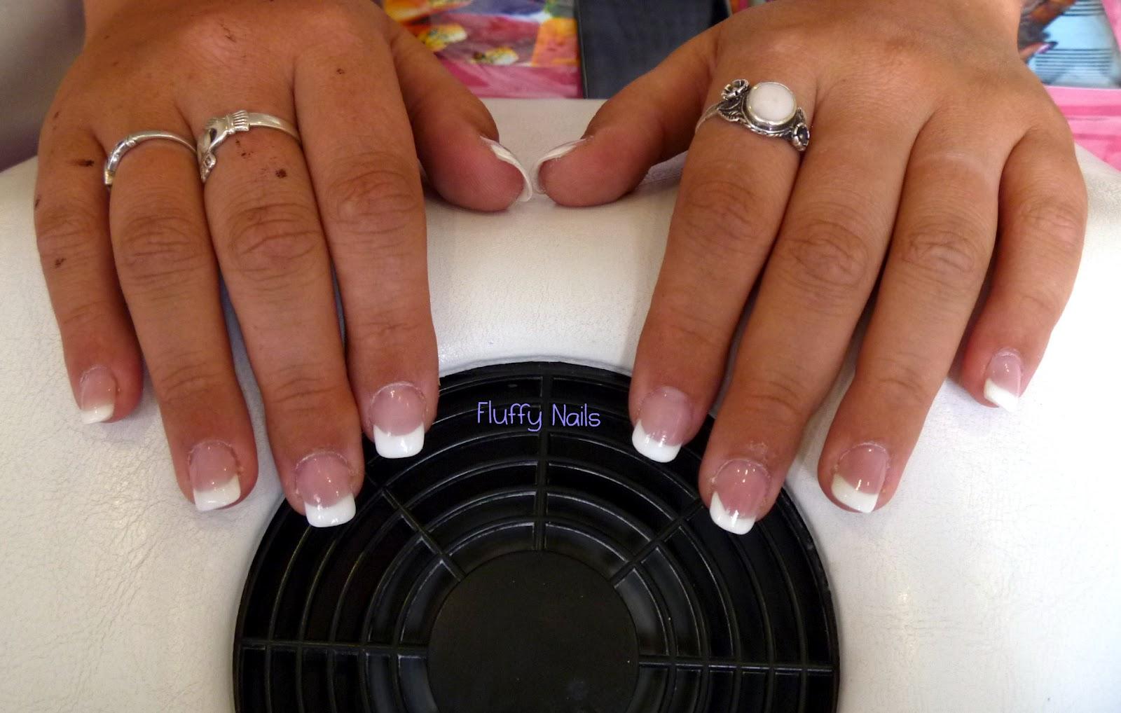 fluffy nails pose 24 pose en gel avec capsules french. Black Bedroom Furniture Sets. Home Design Ideas