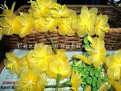 Cách làm cây hoa Mai bằng vải voan (lụa) đón Tết 5