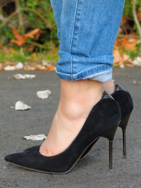 boyfriend jeans and Sam Edelman pumps