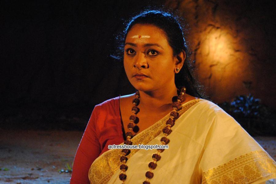 Shakeela Full Hot scene in Ranganayaki Movie - video ...