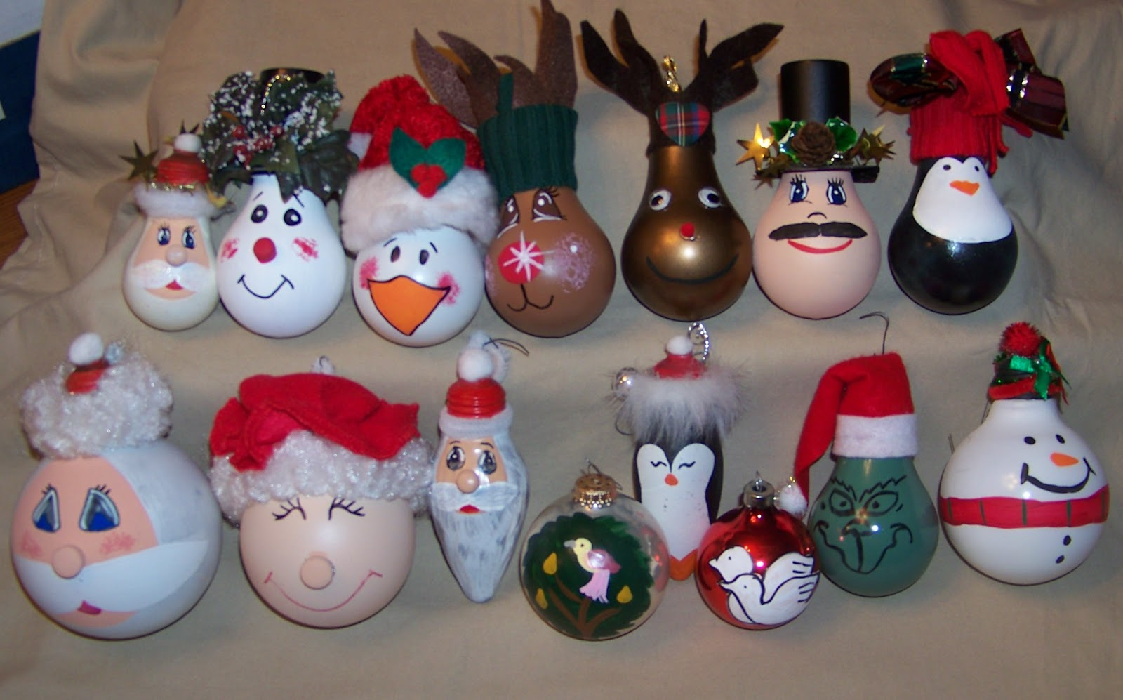My Creative Side: Recycled Light Bulb Ornaments