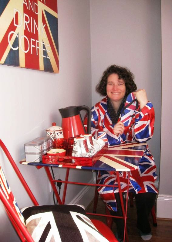 Lola II and union jack picture, cushions and dressing gown