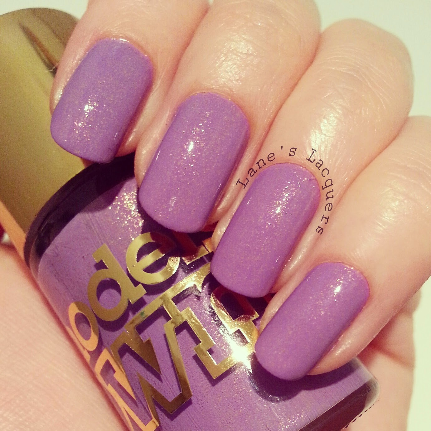 new-models-own-luxe-collection-pear-purple-swatch-nails