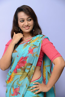 Esther Noronha Pictures in saree 018.jpg