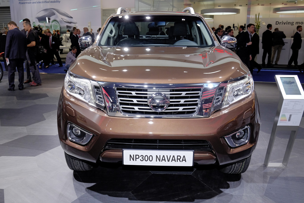 2016 nissan np300 navara is comfortable live at iaa 2015 garage car. Black Bedroom Furniture Sets. Home Design Ideas