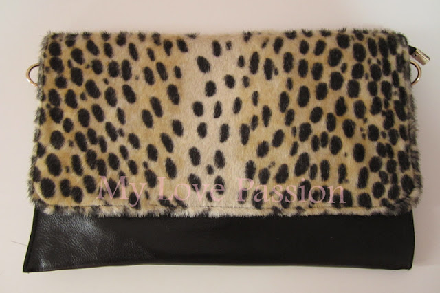 IMG 0825 %25E5%2589%25AF%25E6%259C%25AC Review before the new year: Gorgeous dresses, clutches and kitschy items for sale!