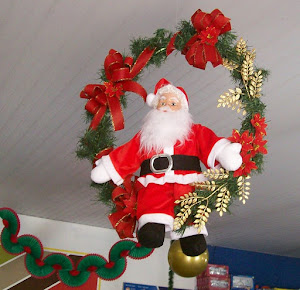 Papael Noel Dentro de Guirlanda Decorada