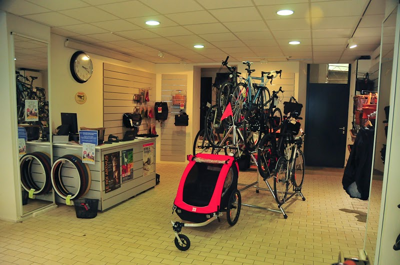 i bike strasbourg esprit cycles f te l 39 ouverture de son troisi me magasin strasbourgeois. Black Bedroom Furniture Sets. Home Design Ideas