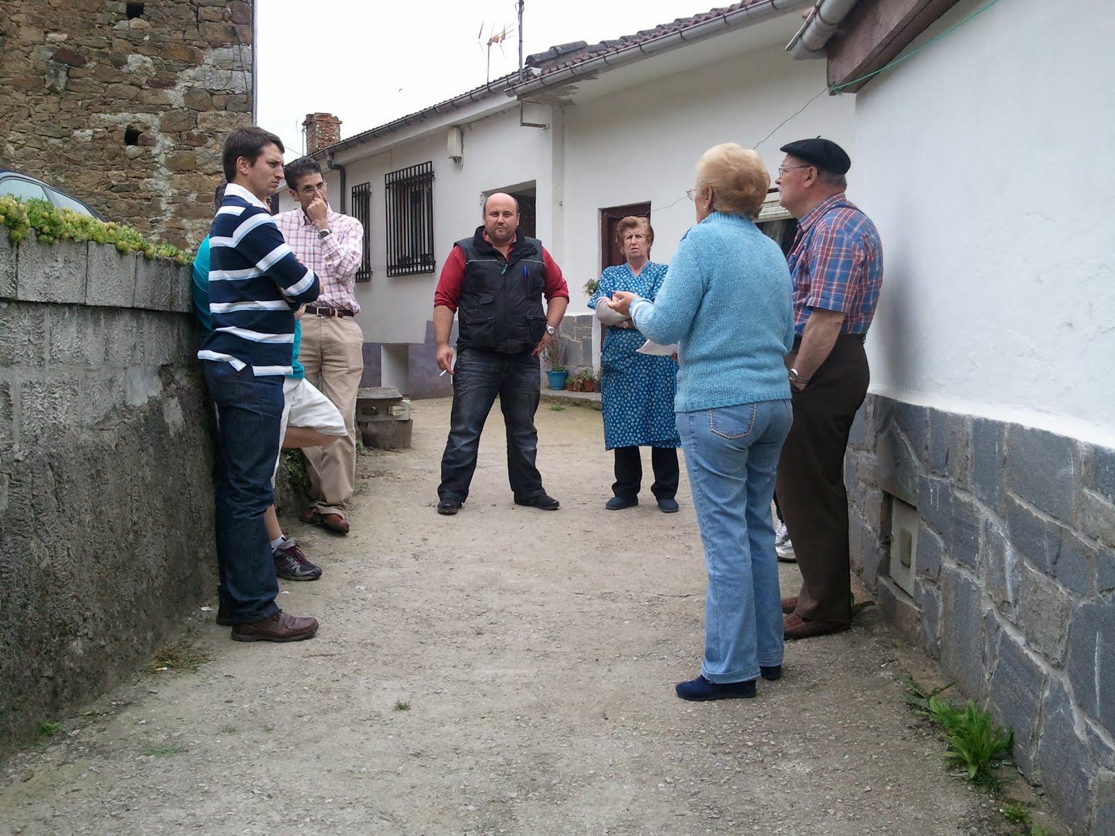 Foro asturias lena reuniones con los vecinos de malveo y for Foro chimeneas de lena