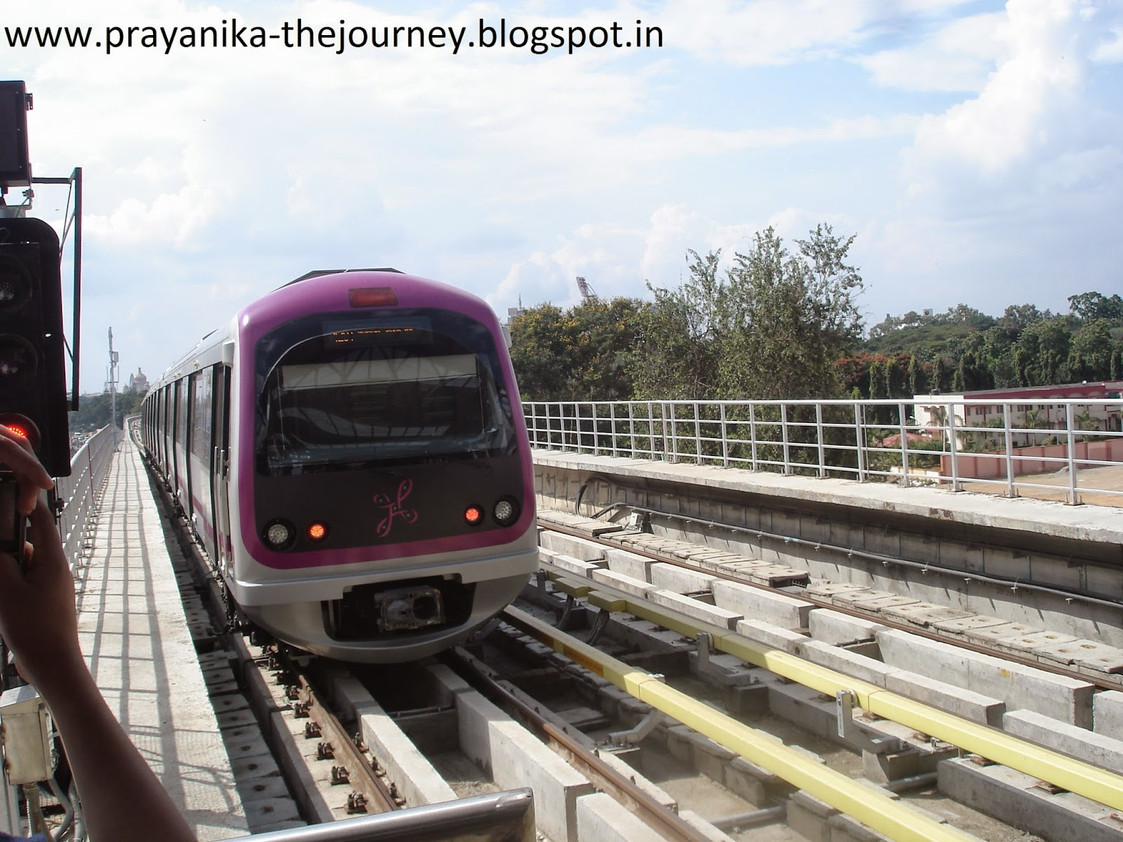 prayanika the journey my experience in bengaluru metro i just had a view on the inside infrastructure of the train train was air conditioned though there were side seating arrangements large proportion of the
