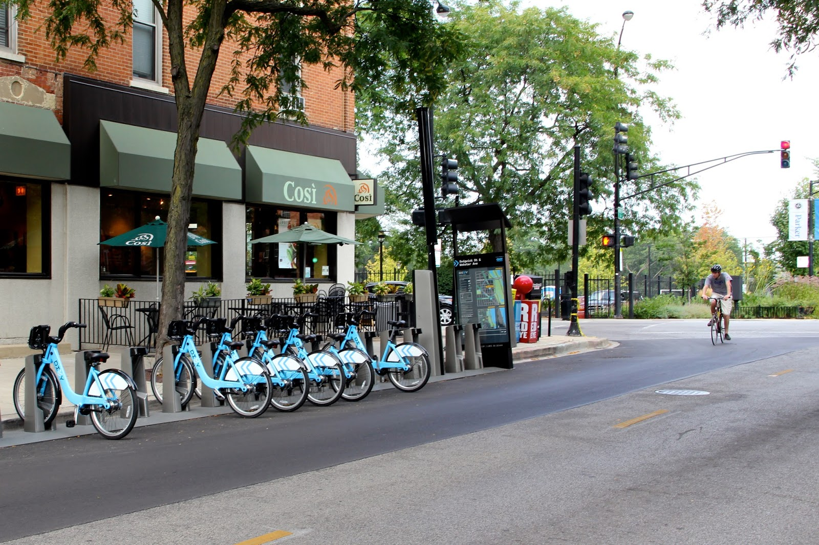 Bike Walk Lincoln Park New Divvy Stations Are Popping Up