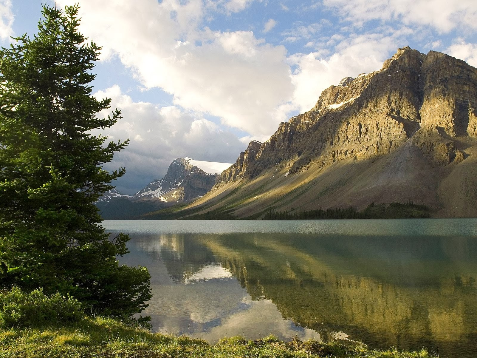 Download Mountain Wallpapers